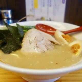 ラーメン大桜 - 料理写真:[2017/07]たまごラーメン(820円) 麺固メ 油少メ