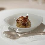 ラシェット・ブランシュ - 穴子のポアレ、焼茄子のピューレ