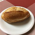 パン・ナガタ - 練乳パン 130円
