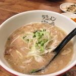 海鳴食堂 - 魚介とんこつラーメン 700円