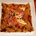 70472172 - 生ハムと2種チーズ、卵の浅草ガレット