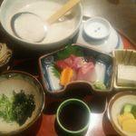 自然薯 茶茶 - とろろ御膳松1,600円(税別)