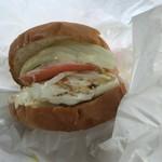 ゆきおじさんのハンバーガー - 料理写真:ほら、こんなんです