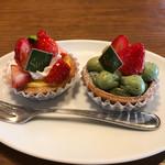 スティックスイーツファクトリー - 料理写真:苺の宇治抹茶ダブルチーズタルト、苺のダブルチーズタルト