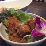 バリラックス ザ ガーデン - ランチセットのアヤムゴレン(鶏の唐揚げ)甘い味付け…
