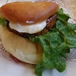アイグラン - 煮込みハンバーガー280円