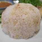 渋谷 ガパオ食堂 - カオマンガイの米は長粒米と短粒米のブレンド