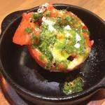 GABUCHIKIワイン食堂 - 食べログクーポンサービスで旬の窯焼き野菜(トマトとモッツァレラチーズ)