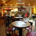 メルカートロッソ - カフェの店内