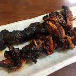 御食事処 スズキ - ヒレ焼きはちょっと焦げてしまってましたが、捌いたばかりでもあり新鮮で、脂のノリもバツグンでした。