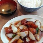 丸仙食堂 - 酢豚定食