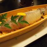季節料理 魚喜 - イカの活き作り(7月)
