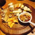 TASCA - チーズ盛り合わせ