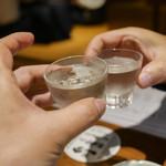旬海佳肴 一家 - 地の日本酒で乾杯!