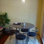 Cafe GATE - 個室のような丸テーブル席もあります☆