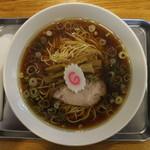 飛田給 大勝軒 - 中華麺小(680円、真上から)