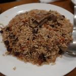 キャラヴァンサライ包 - カーブリパラウ(スープで炊き上げた米料理)