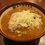 品川甚作本店 - 札幌すみれ風味噌ラーメン(890円、斜め上から)
