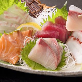 新鮮な魚介メニューも豊富