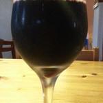 庭つ鶏 葉山 - 赤ワインはタクン レゼルヴァのグラス570円