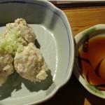 庭つ鶏 葉山 - ボードに書かれた本日のおすすめらしい冷製皮なしシューマイ4個400円
