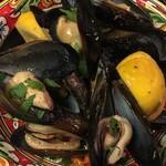 Piattini Micio - ムール貝のレモン胡椒蒸し