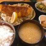 キッチン・カフェ ばる - 舌平目のフライ定食