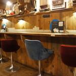 あくびカフェー - 椅子も灯りもいいセンスです(2017.7.24)