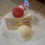 70508482 - イチゴショートケーキ