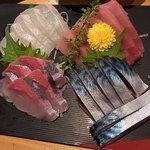 Kaisenizakayaebisuhommaru - 刺身三点盛(鮪・鮃・間八)に〆鯖