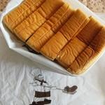 70511987 - ス-パー食パン1/2、380円