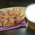 70512477 - たこ焼き&ビール
