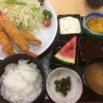 まごころの湯 食事処 - 料理写真:エビフライ定食