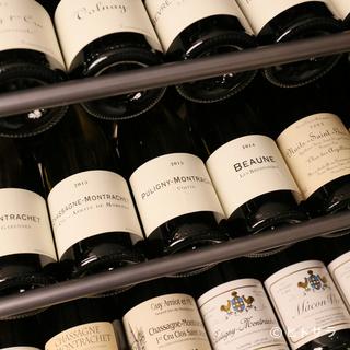フランス産を中心に豊富に揃ったワインコレクション