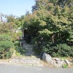7052332 - 九州自動車道路筑紫野インターチェンジそばの住宅街の中にある生粉打ちそばの店です。