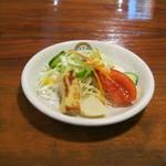 サージョンズカフェ イタリアーノヨコハマ - 【ランチ】セットの「サラダ」です。