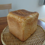 チクテベーカリー - 食パンハーフ550円