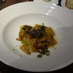 トラットリア クイント - 主人の 牛タンの赤ワイン煮込みソース 自家製パッパルデッレ