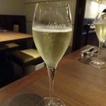 トラットリア クイント - スパークリングワイン