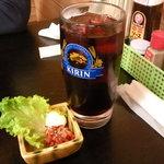 豊岡精肉焼肉店 - ロックワインとチャンジャ