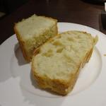 トラットリア クイント - フォカッチャとパン