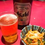 味のシマダ - まずは、ビールで