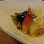 彌三郎 - 金時草とじゅんさいはさっぱりしてて美味しかった!