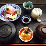 お食事処 潮騒 - お造り定食(1,800円)