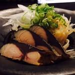 安永丸 - 料理写真:屋久島産サバ節のせオニオンスライス(430円)