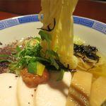 らーめん竹馬 - 鶏とかつお節の冷たいラーメンの麺