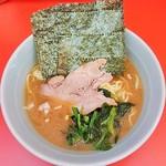70538604 - ラーメン650円麺硬め。海苔増し50円。
