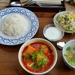 タイ料理バル タイ象 - マッサマンカレーランチ、1000円。