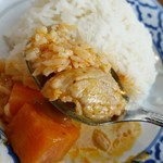 70541747 - マッサマンカレーは、豚肉入り。