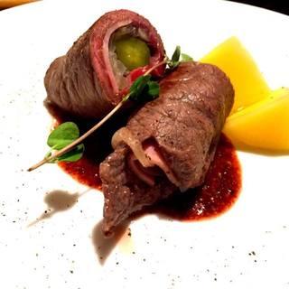 季節のお肉料理や、世界各国の煮込み料理などバリエーション豊か